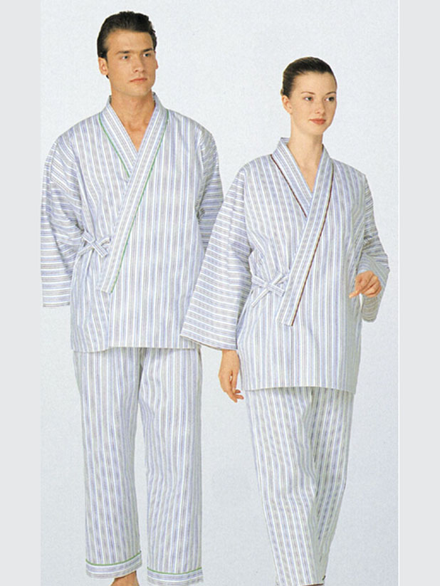 Loungewear with crossing neckline